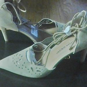 Christian siriano size 7 blue shoes